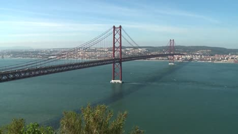 25-de-Abril-Bridge-Lisbon