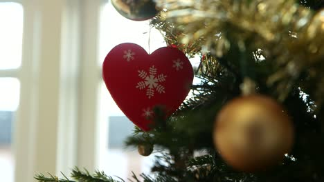 Heart-Christmas-Tree-Decoration
