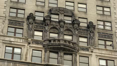 Sculptures-on-Detroit-Building
