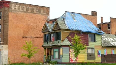Rundown-House-in-Detroit