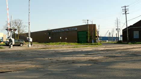 Rundown-Warehouse-in-Detroit
