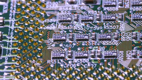 Tracking-Over-Elements-on-a-PCB