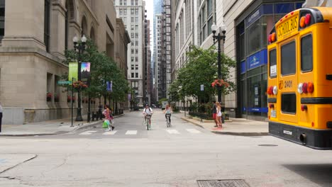 School-Bus-in-Downtown-Chicago