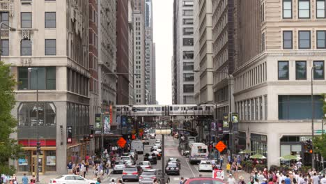Busy-Street-Downtown-Chicago