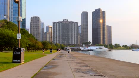 People-Running-through-Chicago-park