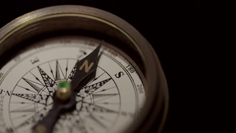 Vintage-Compass-Close-Up-1