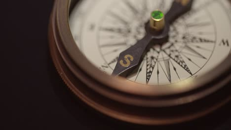 Vintage-Compass-Close-Up-2