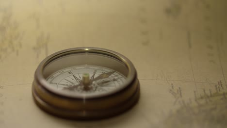 Finding-North-on-Vintage-Compass