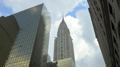 Clouds-Moving-Quickly-above-the-Chrysler-Building