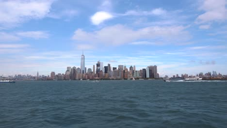 Long-Shot-of-Downtown-New-York-and-Boats-Passing