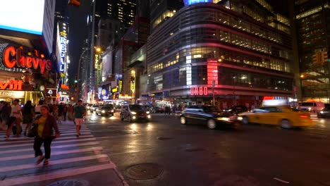 Busy-Times-Square-at-Night