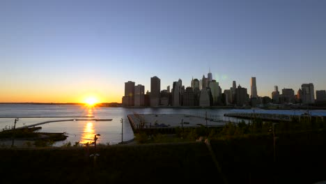 Sunset-Over-Manhattan-Skyline