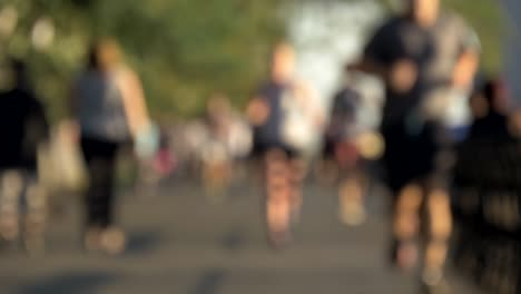 Out-of-Focus-Busy-SIdewalk-in-New-York