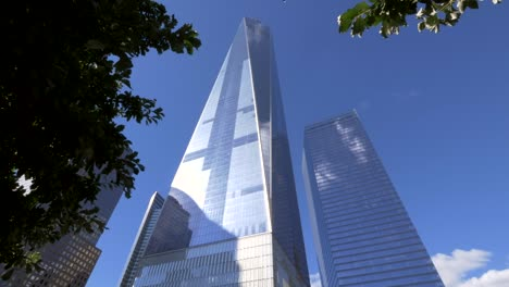 Panning-Up-from-911-Memorial-to-One-World-Trade-centre