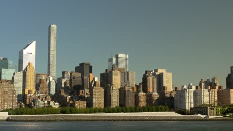 Skyline-of-Residential-Blocks-in-Manhattan