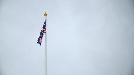 UK-Flag-Flying-on-Buckingham-Palace