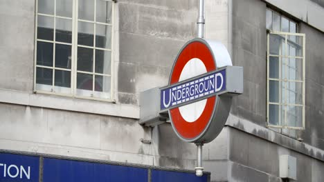 London-Underground-Sign