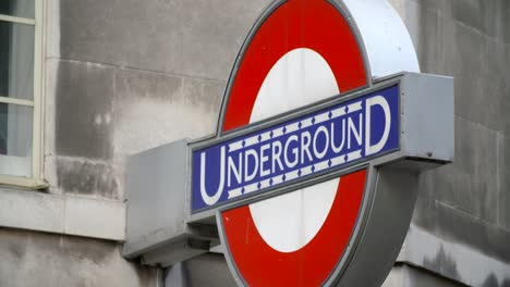 Close-Up-of-London-Underground-Sign