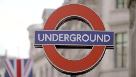 Oxford-Circus-Underground-Sign