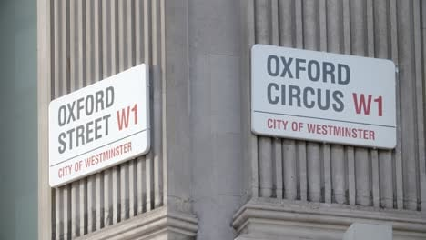 Oxford-Circus-and-Oxford-Street-Sign-2