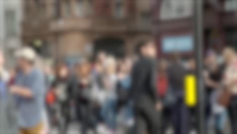 Out-of-Focus-Crowd-in-Oxford-Circus-