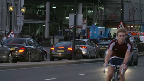 Evening-Rush-Hour-Traffic-London