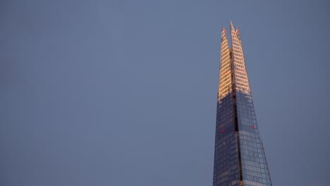 Close-Up-of-the-Top-of-The-Shard-at-Night
