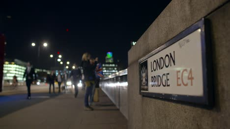 London-Bridge-Sign-at-Night