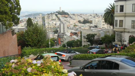 Overlooking-Lombard-Street-San-Francisco