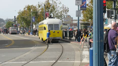 San-Francisco-Tram-Passing-Busy-Sidewalk