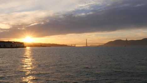 Long-Shot-of-Golden-Gate-Bridge-at-Dusk