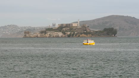 Small-Boat-Passing-Alcatraz-Island