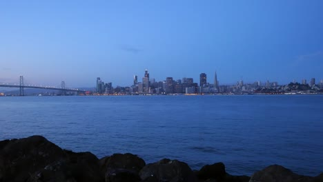Long-Shot-of-Downtown-San-Francisco-at-Dawn