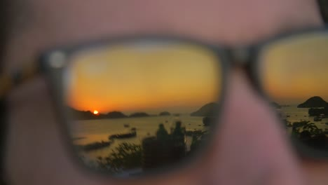 Sunset-in-Glasses-Ha-Long-Bay