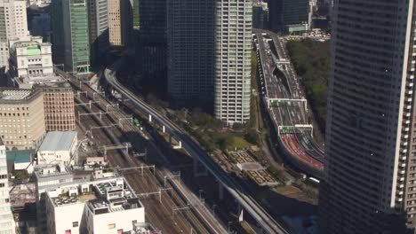 Tokyo-Rail-and-Road-Traffic-Timelapse
