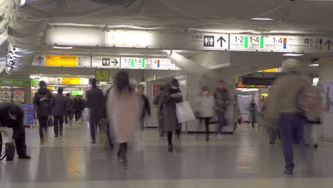 Timelapse-of-Tokyo-Commuters