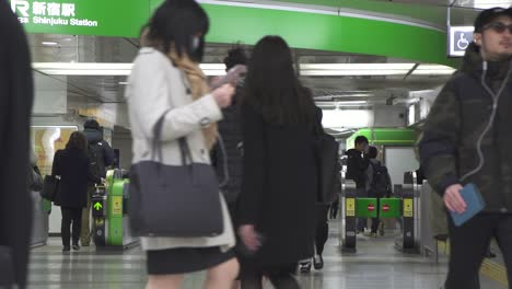 Commuters-in-Shinjuku-Train-Station-Tokyo