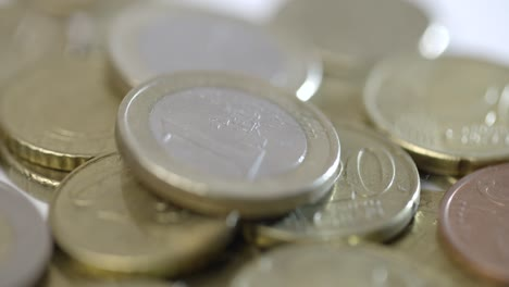 Rotating-Around-One-Euro-Coin