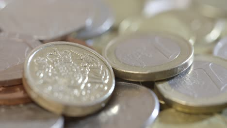 Spinning-Around-Euros-and-Pounds
