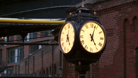 Vintage-Clock-Toronto-Distillery-District