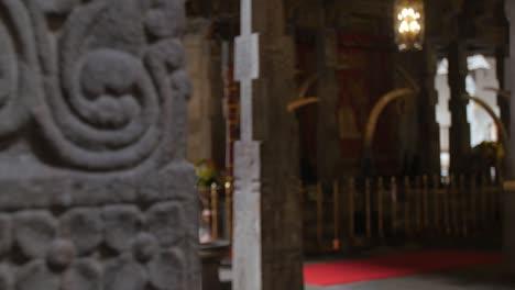 Focus-Pull-in-Sri-Lankan-Temple
