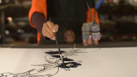 Malaysian-Woman-Painting-a-Batik-1