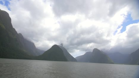 Tilting-Shot-Over-Milford-Sound