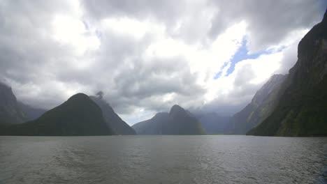 Milford-Sound-New-Zealand