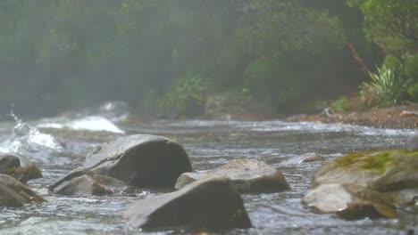 Waves-Breaking-on-Rocks