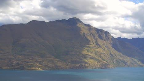 New-Zealand-Mountainous-Landscape