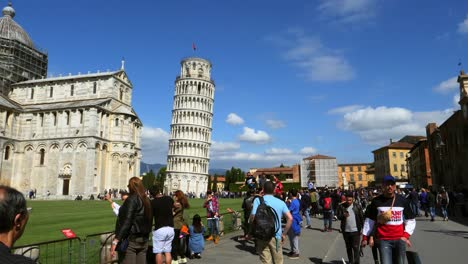 Leaning-Tower-of-Pisa-Italy