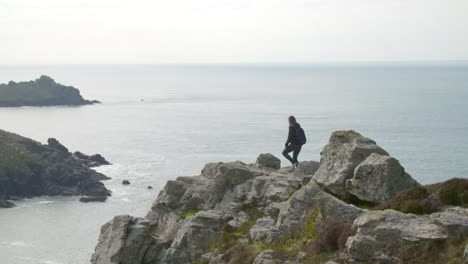 Hiking-Along-Cliff-Edge-in-Cornwall