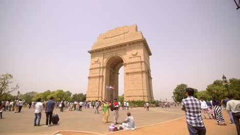 Crowds-of-Tourists-at-India-Gate-New-Delhi