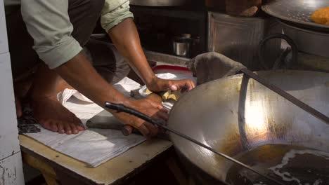 Street-Vendor-Frying-a-Puri